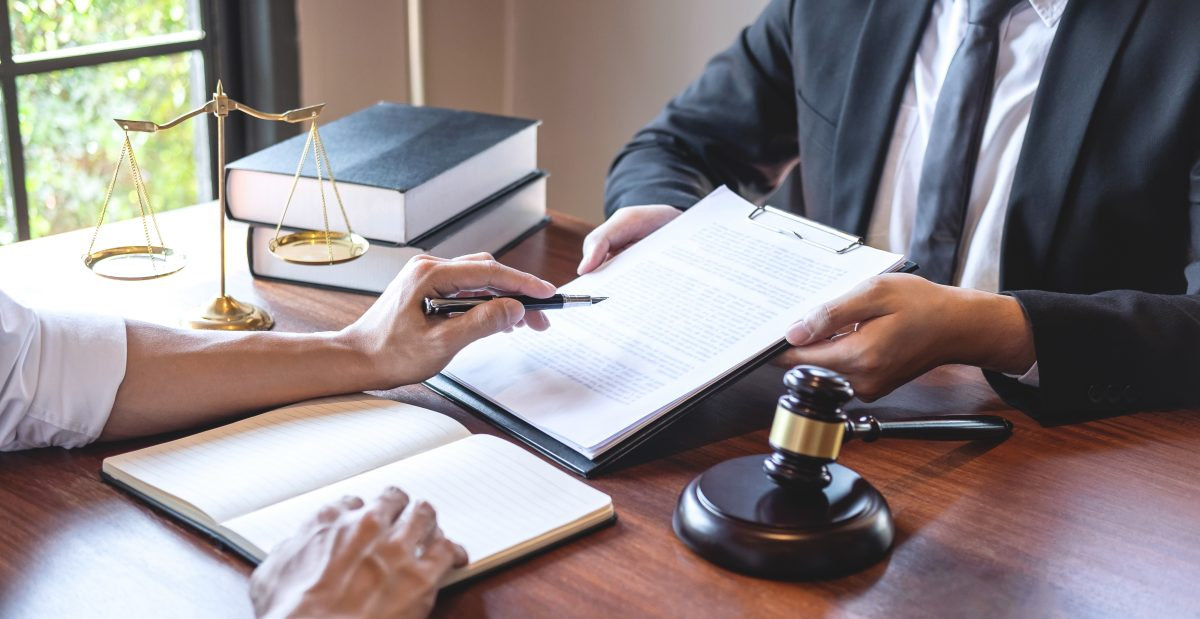 IMPORTANCE OF HIRING A REAL ESTATE ATTORNEY IN COCONUT CREEK, FLORIDA